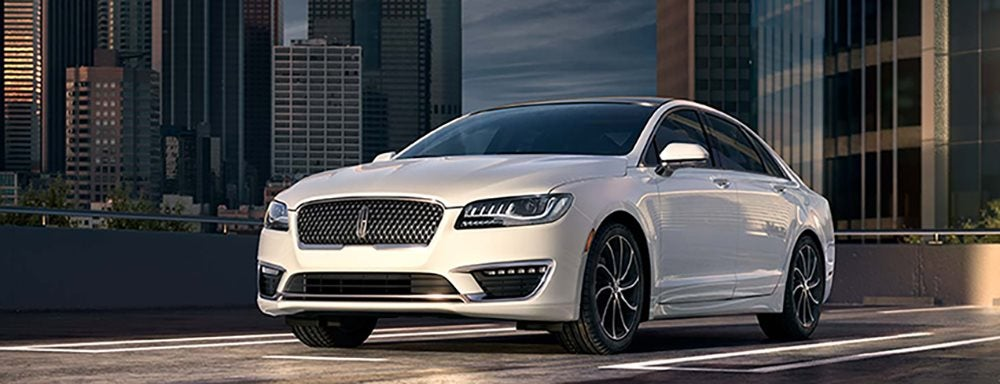 2017 Chrysler 300 Versus Icon Lincoln Mkz