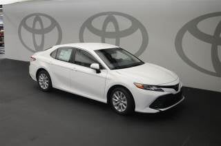 2018 toyota camry se white. 2018 Toyota Camry LE In Warner Robins, GA - Five Star Automotive Group Se White O