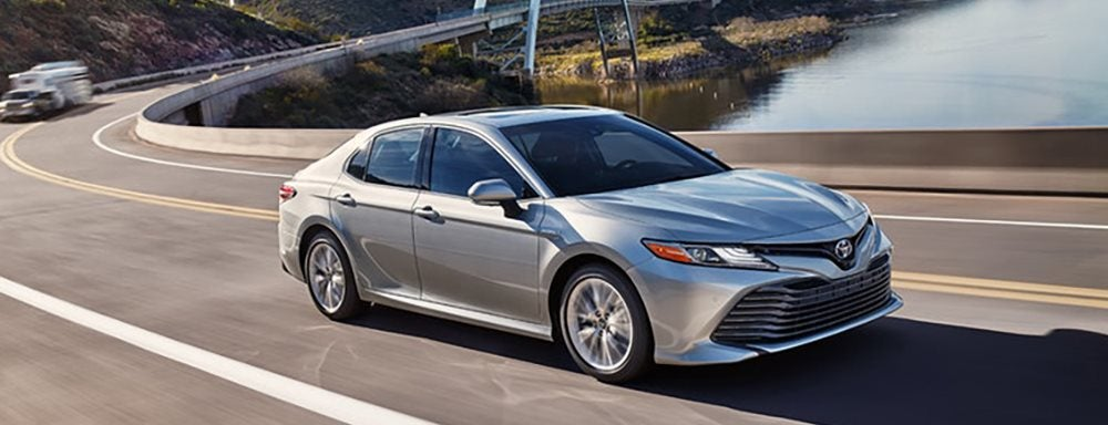 Camry Vs Corolla >> 2019 Toyota Camry Vs 2019 Toyota Corolla Which Is Best For
