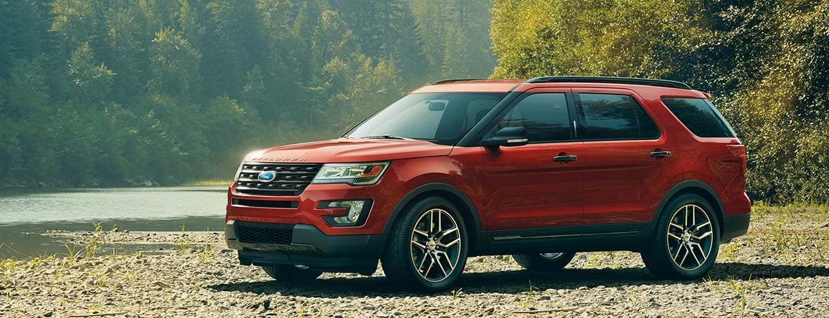 Edge Vs Explorer >> 2017 Ford Explorer Vs 2017 Ford Edge Compare Specs